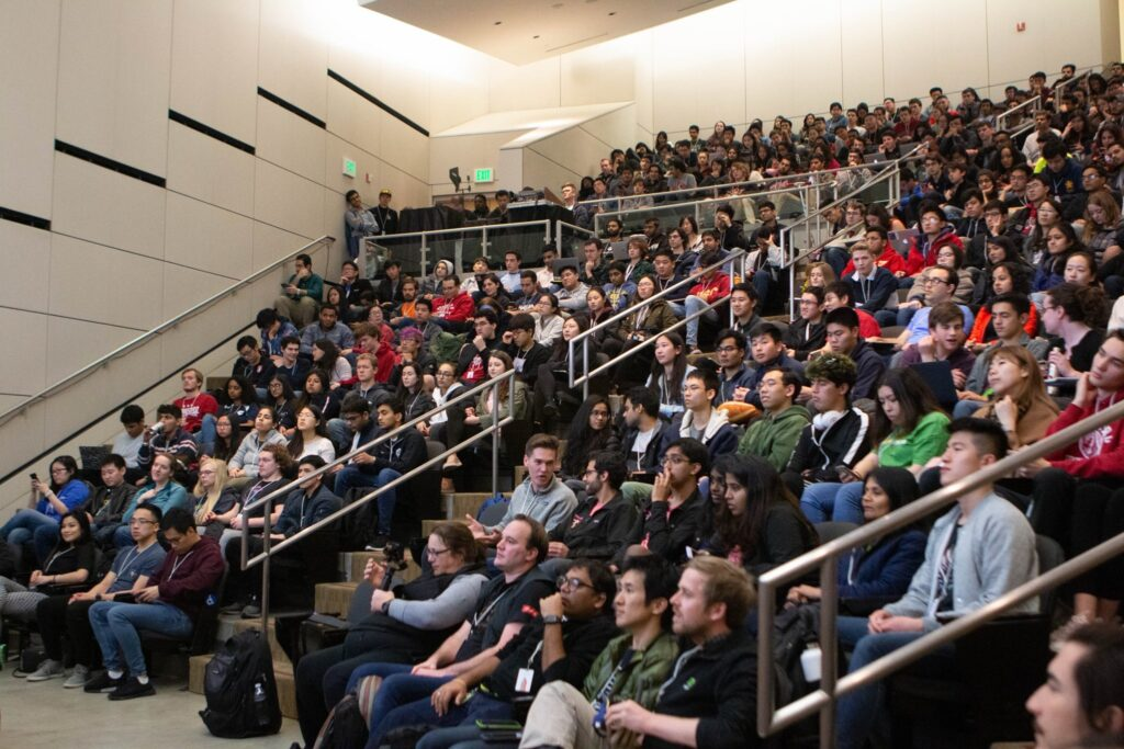 the crowd watching finalist at TreeHacks 2020.