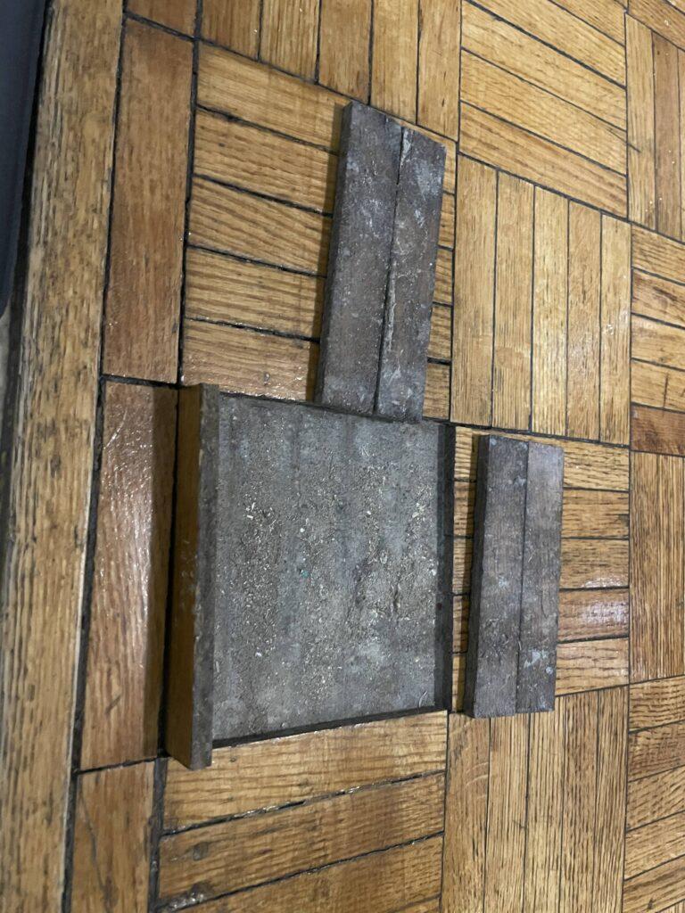 Loose parquet floor tiles