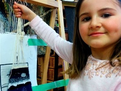 Weaving art student